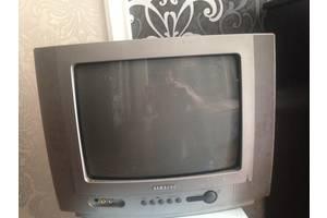 Телевизор б/у диогональ 38