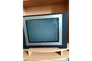 Телевизор LG, находился в резерве (новый )