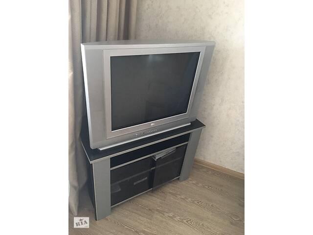 продам Телевизор LG с комодом бу в Одессе