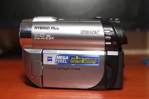 Видеокамера Sony DCR-DVD810E + Sony MEMORY STICK PRO DUO 16GB MARK2