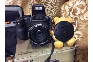 б/в Цифрові фотоапарати Fujifilm FinePix S3200