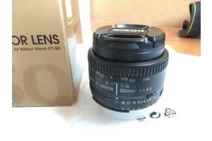 б/в Портретні об'єктиви Nikon