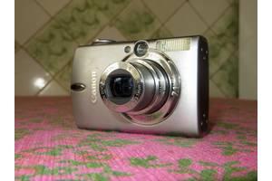 б/у Цифровые фотоаппараты Canon IXUS 300 HS
