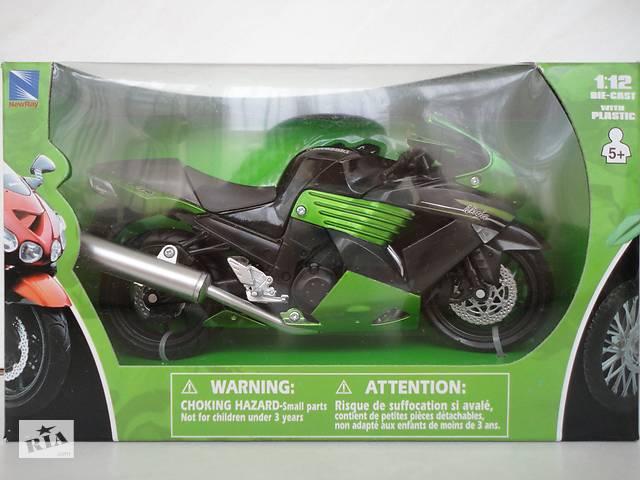 продам Модель мотоцикл 1:12 Kawasaki ZX-14 Ninja от New Ray новая в упаковке бу в Львове