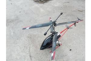 Игрушки самолеты, вертолеты