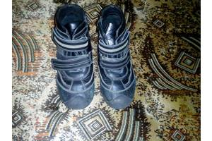 б/в Дитячі демісезонні черевики