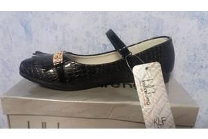Дитячі шкільні туфлі