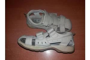 б/у Детские сандалии UGG