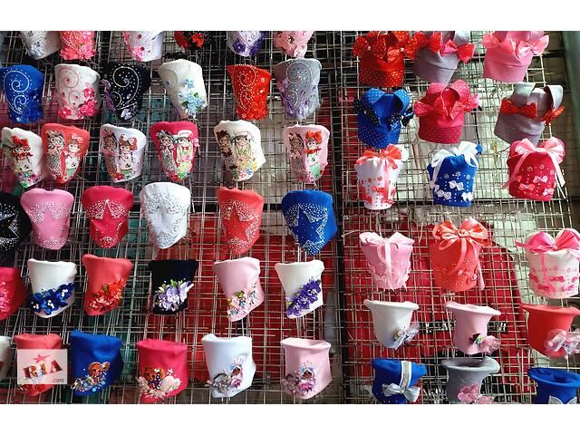 продам Детские трикотажные шапки от 1 года до 12 лет бу в Киеве