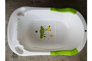 Ванночка со сливом воды