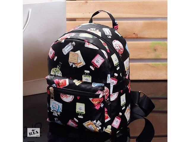 продам Женский маленький рюкзак экокожа Черный с принтом бу в Днепре (Днепропетровск)