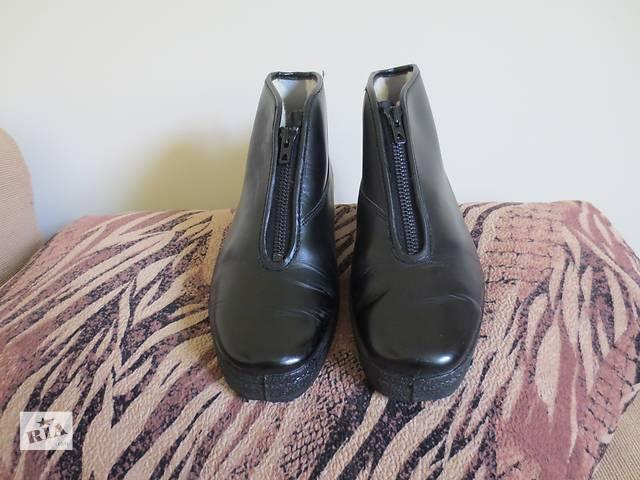 купить бу Новые зимние ботинки черного цвета в Тернополе
