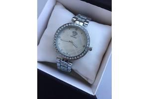 Новые Наручные часы женские Versace
