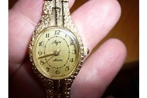 б/у Наручные часы женские