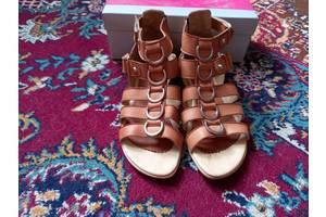 Босоножки-сандалии женские из натуральной кожи.