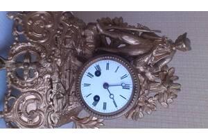 Часы антикварные, каминные, из шпиатра, в классическом стиле эпохи Наполеона 3-его, Франция.