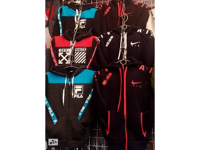 продам Дитячий утеплений спортивний костюм на флісі, розміри 26- 48, кольору різні бу в Києві