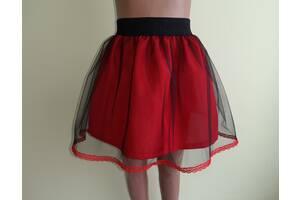 Детская красная юбка с кружевом, на резинке, модель № 49