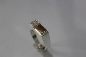 Элегантный мужской серебряный перстень печатка
