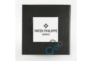 Коробочка с белым квадратом с логотипом Patek Philippe