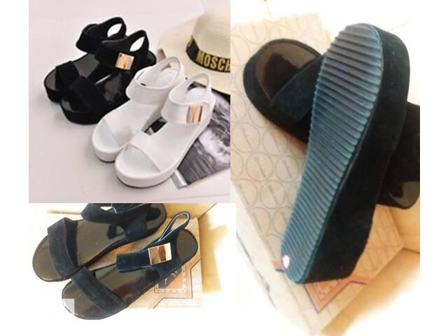 бу Взуття якісне модне дешеве в Києві