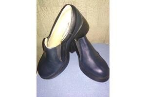 Осінні туфлі жіночі