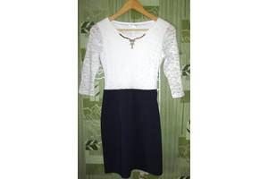 б/в Жіночий одяг Arizzo