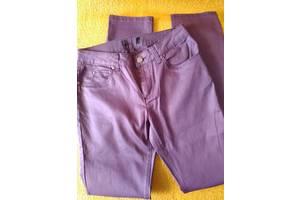 Штани жіночі баклажанового кольору з глянцевим ефектом, рр.36, 38, 40, 42, 44,46