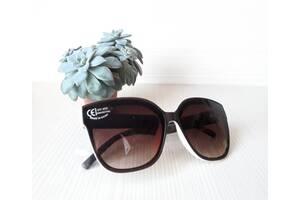 Сонцезахисні окуляри, стильні, зручні, надійні