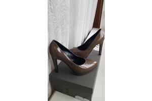 Туфлі лакові made in Italy