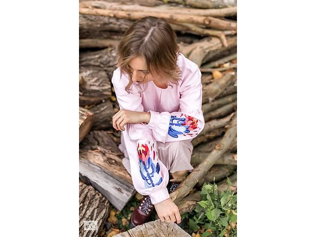 продам Вышитая женская блузка P R O T E A бу в Чернигове