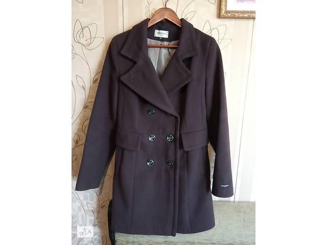 Женское пальто (демисезонное) (б/у)