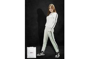 Женский спортивный костюм белый NAXU-Y худи и штаны с полоской