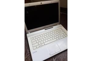 Белоснежный красивый и надежный ноутбук марки Sony Vaio PCG-61315L