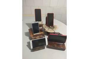 Дерев'яні підставки під телефон