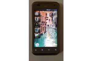 HTC смартфон старая модель
