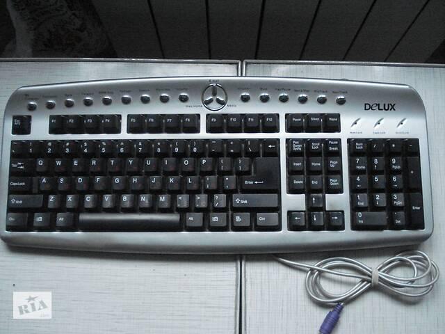 продам Клавиатура , мышки, кабеля ,переходник для компьютера. бу в Киеве