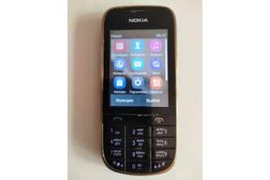Мобільний телефон Nokia 202 б/у. сенсорний екран в Києві.