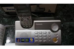 Panasonic KX-TCD236UA с аккумуляторами.коробкой .проводами.адаптером и инструкцией пользователя
