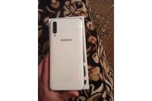 Продам Samsung A50, 128gb СВОЇЙ ПАМ'ЯТІ .
