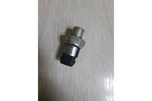 Датчик абсолютного давления кондиционера Audi A6 C4 8D0959482B