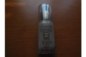 Тональные крема Max Factor