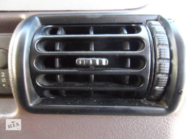 бу Дефлектор, воздуховод Рено Маскотт (Маскот) Renault Mascott 2.8 dci 1999-2004 в Ровно