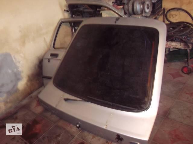 купить бу Дверь передняя для хэтчбека Ford Sierra 1986 в Бережанах (Тернопольской обл.)
