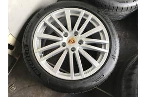 Новые диски с шинами Porsche Panamera