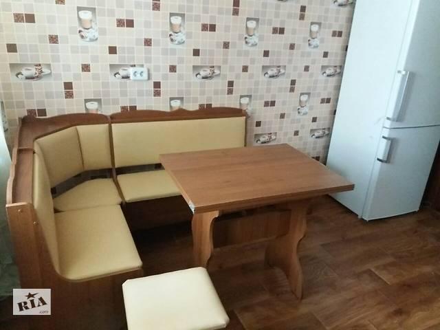 бу Кухонный уголок Лорд: угловой мягкий диванчик, раскладной стол 2 табурета в Киеве