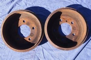 Тормозной барабан для Mercedes308 1993рв на мерседес 308 задние тормозные барабаны оригинал малый пробег цена за оды