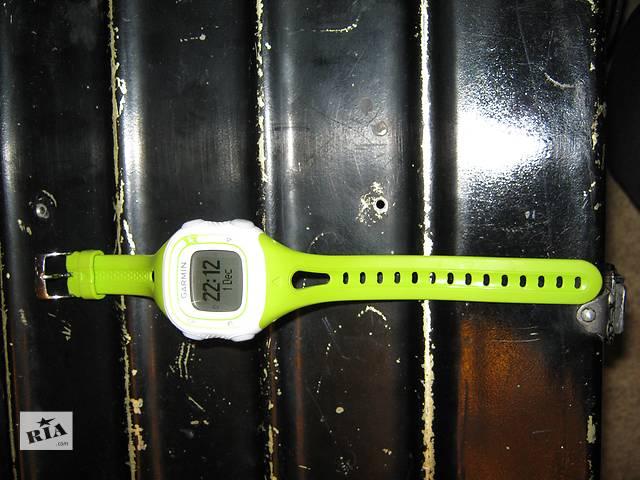 продам Gps-часы для бега Garmin Forerunner 10 зеленые бу в Киеве