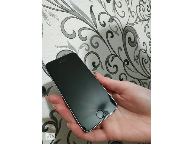 Iphone 5s 16 gb +( 5 чехлов в подарок )- объявление о продаже  в Желтых Водах