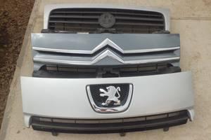 Б/у решітка радіатора Фіат Скудо Fiat Scudo Пежо Експерт Peugeot Expert Сітроен Citroen jumpy
